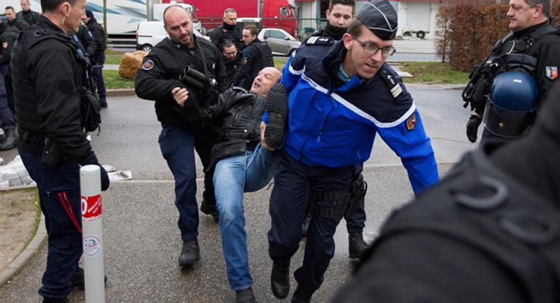 Fransa'da Cezaevi Personeli Ülke Genelinde Greve Başladı